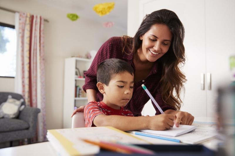 Çocuklar evde nasıl İngilizce öğrenebilir?