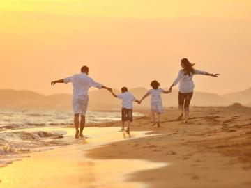 Aileler için Yurt Dışında İngilizce Kursu ve Tatil Programları
