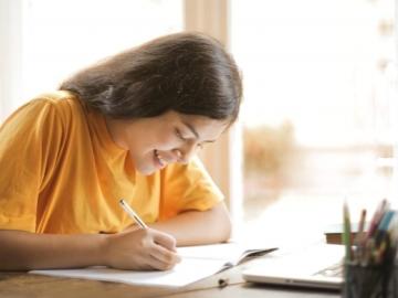 Evde İngilizce öğrenmek için pratik tavsiyeler